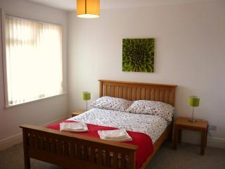 2 bedroom Condo with Internet Access in Fareham - Fareham vacation rentals