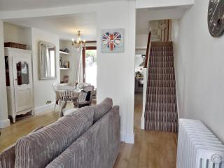 Lovely Terraced Holiday Cottage in Brighton - Brighton vacation rentals