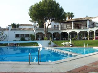Patio Alcornocal - El Parasio - Estepona vacation rentals