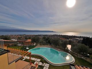 Nice Condo with Internet Access and Dishwasher - Toscolano-Maderno vacation rentals
