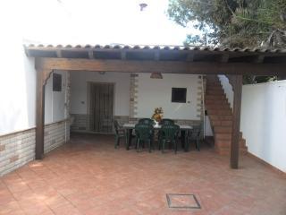 CASA CON 3 CAMERE A 30 M MARE - Capilungo vacation rentals