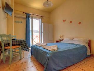 Morpheus Double room - balcony-50 mtrs  from beach - Kini vacation rentals