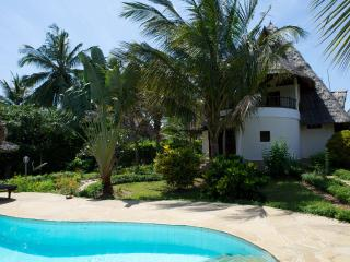 Bright 2 bedroom Vacation Rental in Galu - Galu vacation rentals