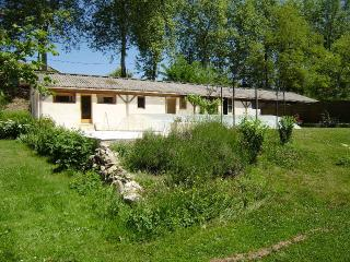 Bright 2 bedroom House in Aurignac with Internet Access - Aurignac vacation rentals
