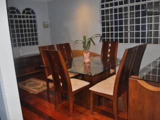 Casa - 20 min Estádio Mineirão - Belo Horizonte vacation rentals