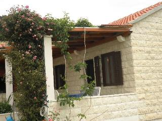 Bol Holiday cottage 2+1 - Bol vacation rentals