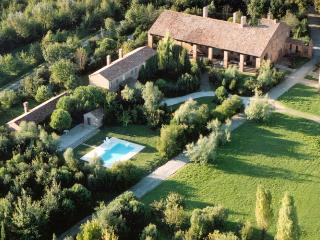 Cottage in Villa near Venice with swiming pool - San Martino di Venezze vacation rentals