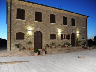 1 bedroom Condo with A/C in Cingoli - Cingoli vacation rentals