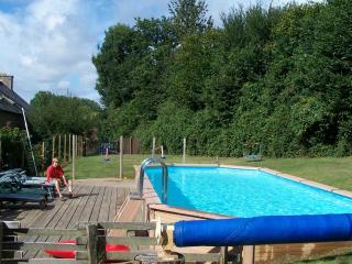 7 bedroom Gite with Internet Access in Plenee-Jugon - Plenee-Jugon vacation rentals