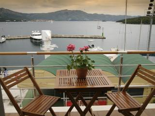 Cozy 2 bedroom Bed and Breakfast in Korcula Town with Internet Access - Korcula Town vacation rentals