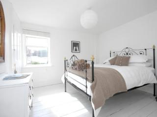 Charming Cottage with Internet Access and Washing Machine - Whitstable vacation rentals