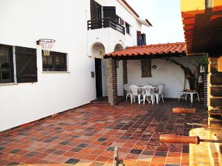 Cozy 3 bedroom House in Baleal - Baleal vacation rentals