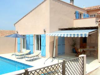 Pezenas Villa. Private Salt Water Pool, Bedroom Air-Con, Winter break offers. - Pezenas vacation rentals