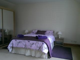 Comfortable 3 bedroom Comrie Cottage with Internet Access - Comrie vacation rentals