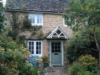 Lovely Cottage in Lechlade with Television, sleeps 3 - Lechlade vacation rentals