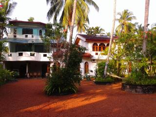 Beautiful 6 bedroom Vacation Rental in Aluthgama - Aluthgama vacation rentals