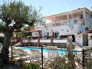 large villa sleeps 18 heated pool jacuzzi playpark - Estacion de Cartama vacation rentals
