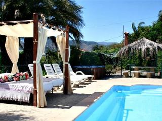 Spacious Villa with Internet Access and Dishwasher - Estacion de Cartama vacation rentals