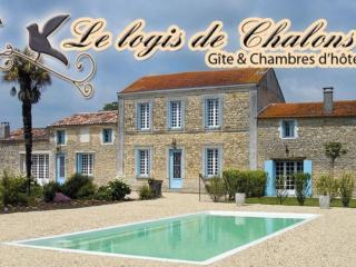 Nice Guest house with Internet Access and Central Heating - Le Gua vacation rentals