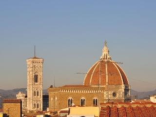 3 bedrooms/terraces flat close to Ponte Vecchio - Florence vacation rentals