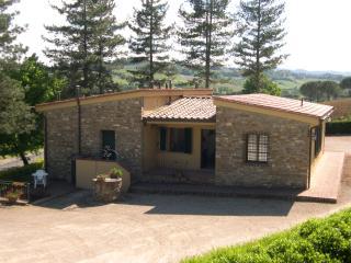 APPARTAMENT SCUOLA 1  AVANELLA tuscany holiday - Certaldo vacation rentals
