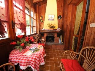 Bright 2 bedroom Ormea Bed and Breakfast with Deck - Ormea vacation rentals