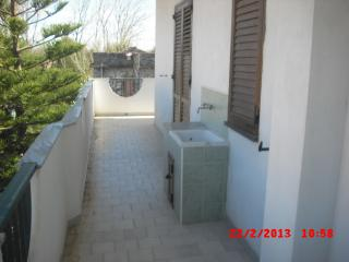 Cozy Townhouse with Iron and Hair Dryer in Marina di Caulonia - Marina di Caulonia vacation rentals