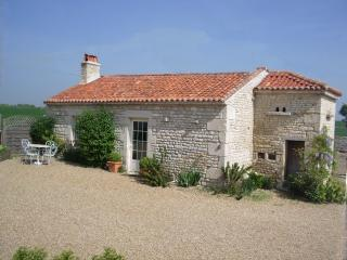 The Pigeonnier nr La Rochelle, beaches 20 mins. - La Rochelle vacation rentals