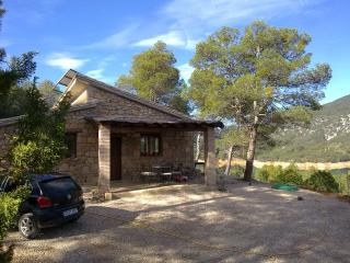 Sunny House with Central Heating and Balcony - Beceite vacation rentals