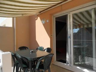 Cozy 2 bedroom Stella-Plage Condo with Television - Stella-Plage vacation rentals