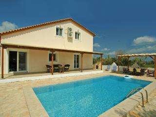 Perfect 3 bedroom Tragaki Villa with Internet Access - Tragaki vacation rentals