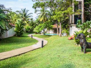 Bright 4 bedroom Villa in Negombo - Negombo vacation rentals