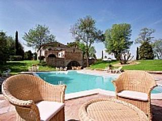 Villa Ghirlanda - Image 1 - Montemaggiore al Metauro - rentals