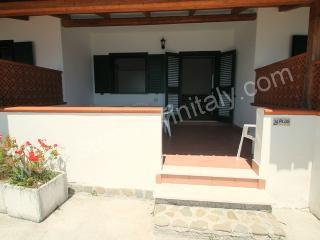 Comfortable 1 bedroom Agnone Cilento House with Garden - Agnone Cilento vacation rentals