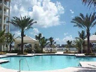 Moorings Upscale Condo **Discounts for extended stays** - Florida South Atlantic Coast vacation rentals