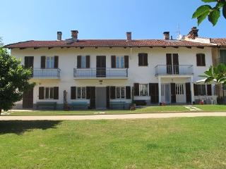 Nice House with Internet Access and Satellite Or Cable TV - Arignano vacation rentals