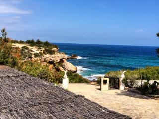 Beautiful 3 bedroom Villa in L'Ametlla de Mar with Deck - L'Ametlla de Mar vacation rentals