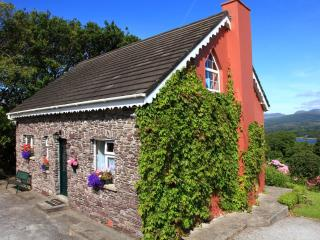 Charming Fuchsia Cottage, Kenmare, Co. Kerry - Kenmare vacation rentals