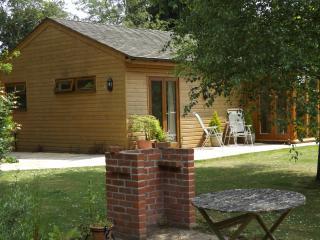 Nice 1 bedroom Bognor Regis Cottage with Internet Access - Bognor Regis vacation rentals