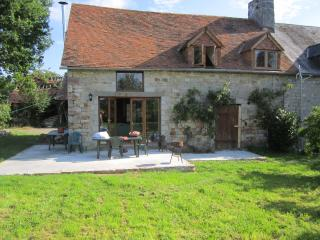Lovely 4 bedroom Gite in Domfront with Microwave - Domfront vacation rentals