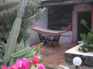 Pantelleria, Dammuso Gardenia - Pantelleria vacation rentals