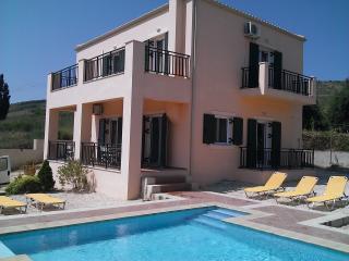 Villa Fengaraki, 4 bedrooms 350mtr from the beach - Lixouri vacation rentals