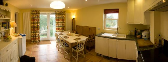 Lovely Cottage with Internet Access and Linens Provided - Newcastle Emlyn vacation rentals