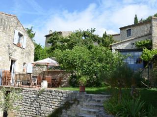 Poët-Laval 2 maisons de charme sous le figuier - Dieulefit vacation rentals