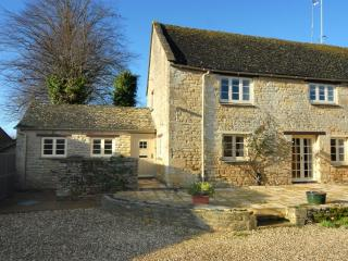 2 bedroom Cottage with Television in Burford - Burford vacation rentals