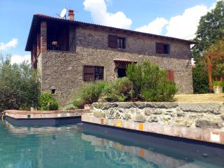 Casa Quintilio with prvt. pool - Castiglione Di Garfagnana vacation rentals