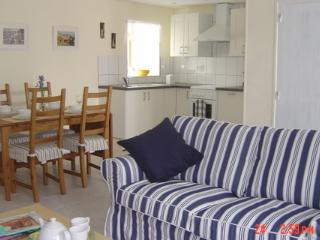 Lovely Gite with Internet Access and Satellite Or Cable TV - Trebes vacation rentals