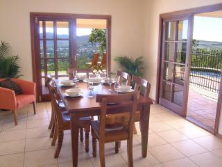 The Summit Rainforest Retreat-Atherton Tablelands. - Atherton vacation rentals