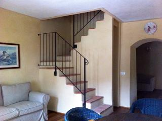 Cascina Vicentini Monferrato - Yellow Room - Asti vacation rentals