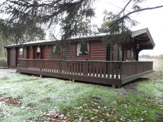 Scandinavian Lodge Nr 10, Kenwick Woods, Louth, Lincolnshire LN11 8NP - Louth vacation rentals